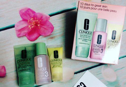 Set quà dưỡng da và trang điểm 10 món Clinique 10 Days of Clinique