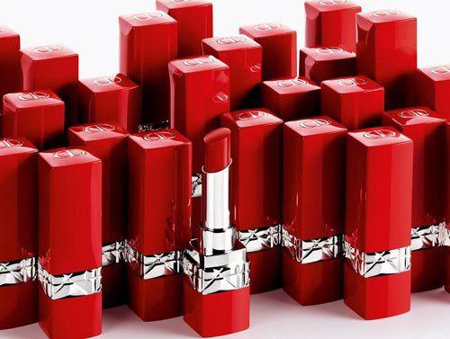 Vỏ Son Dior – Rouge Dior Ultra Rouge màu Ultra Dior 999 mang vẻ đẹp sang trọng