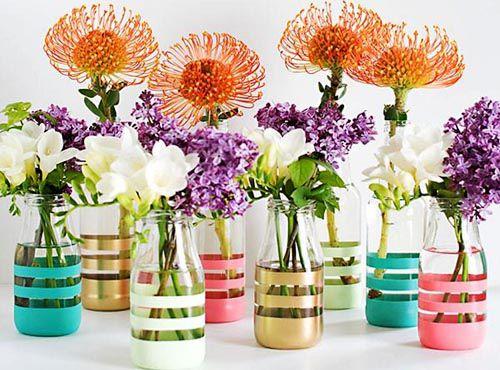 Biến chai lọ thủy tinh thành lọ hoa handmade cực yêu