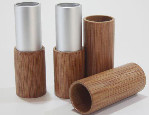 Vỏ son gỗ tre với đường vân dọc đơn giản mà tinh tế