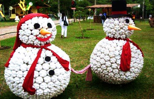 Làm đồ chơi người tuyết handmade từ chai nhựa